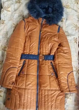 Очень теплое зимнее синтепоновое приталенное пальто пуховик