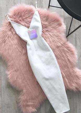 Бандажное платье со шнуровкой missguided