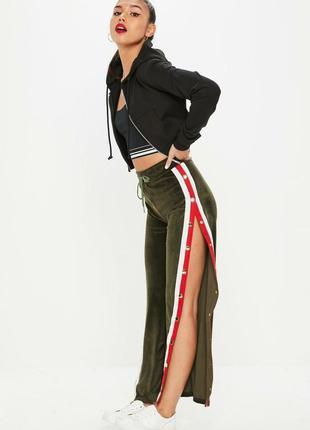 Плюшевые штаны с лампасами