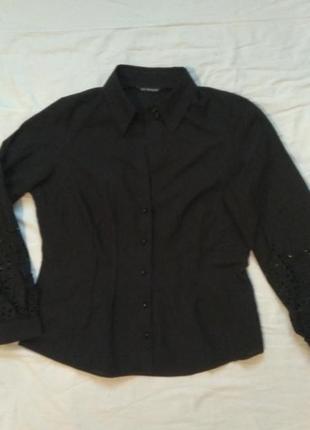 Шикарная рубашка с перфорацией на рукавах