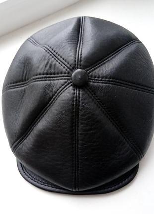 Кожаная кепка осень-зима