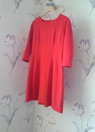 Красное платье украинского производителя