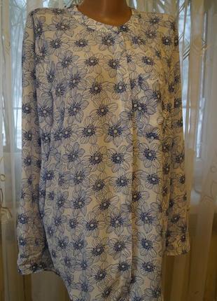 Нежная женственная блуза рубашка в цветочный принт