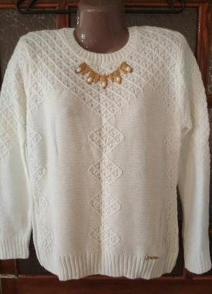 Нарядный тепленький свитер 54 размер