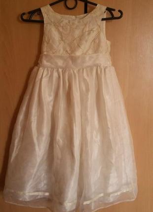 Пышное бальное платье на 5-6 лет