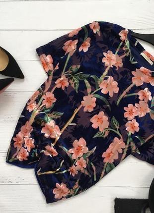 Стильная бархатная блуза в цветочный принт zara