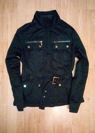 Черная куртка на флисе демисезонная бомбер теплая с поясом