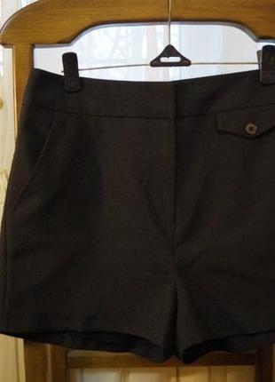Черные шорты с высокой талией и карманами