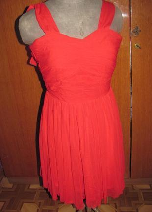 Платье красное c фатином