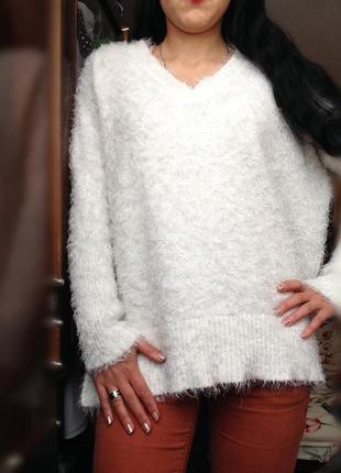Белый свитер травка пушистый оверсайз