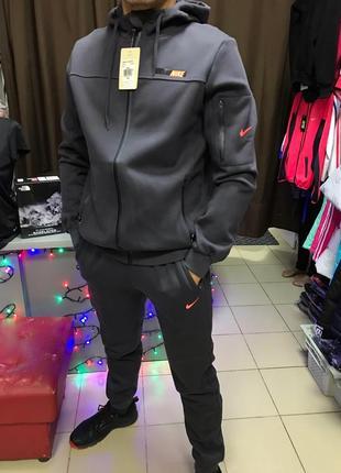 Мужской спортивный костюм на флисе nike