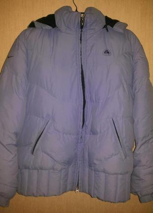 Фирменная курточка с капюшоном nike в размере l