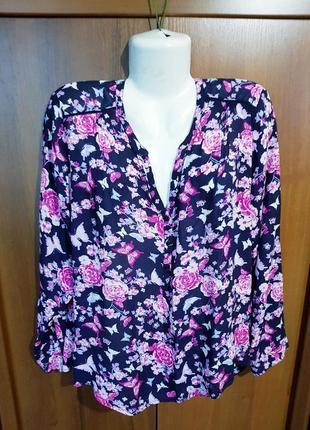 Яркая вискозная блузка размера 54-56