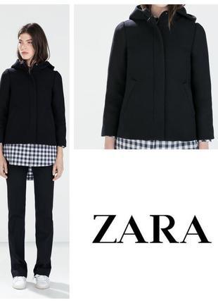 Короткая куртка пальто с капюшоном в состоянии нового  / на новый год - корпоратив