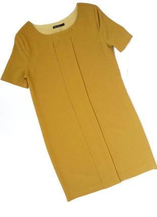 Платье плотное с коротким рукавом