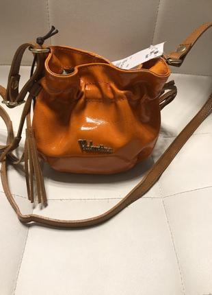 Стильная кожаная сумочка  valentina