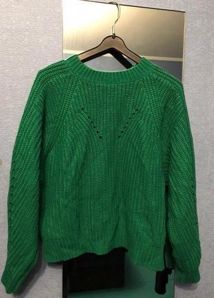 Зеленый укороченный свитер