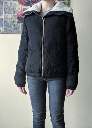 Зимняя дутая куртка на меху короткий пуховик оверсайз с большим воротником