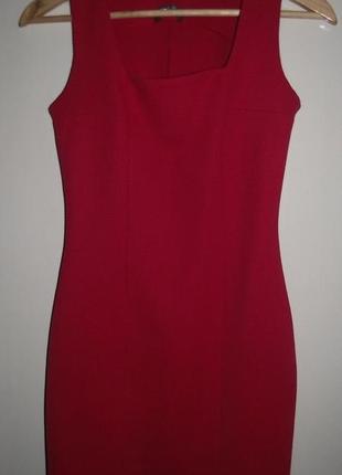 Красное платье по фигуре на новый год