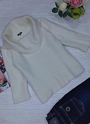 Теплый ангоровый свитерок.