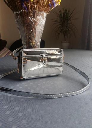 Красивая металическая сумка кроссбоди фирмы accessorize