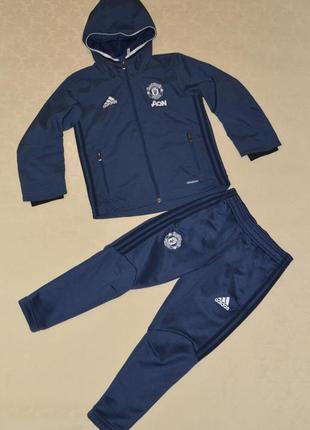 Спортивный костюм adidas manchester united на 4-5 лет, рост 110
