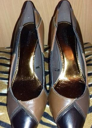 Элегантные туфельки на шпильке
