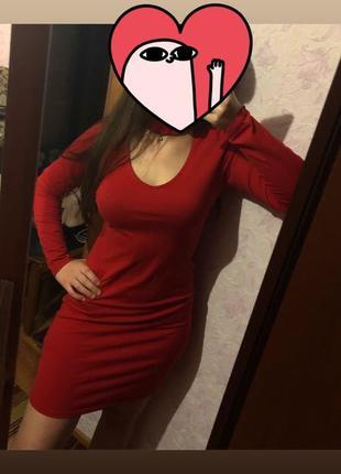 Красное платье 😍 очень красивое (с чокером)