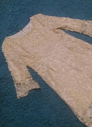 Новогоднее нарядное золотистое кружевное платье