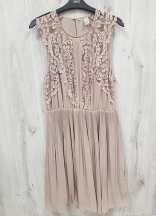 Пудровое платье с кружевным верхом h&m 12.l