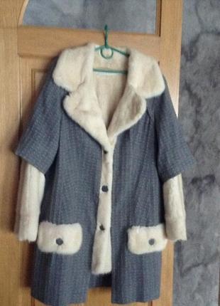 Шикарное пальто на подкладке из натуральной норвежской норки