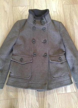 Пальто. полупальто в составе шерсть