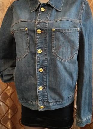 Винтажный джинсовый пиджак с яркими пуговицами