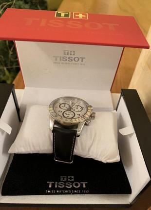 Годинник tissot v8