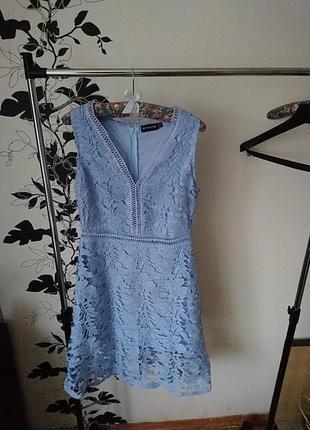 Prettylittlething нежнейшее кружевное платье