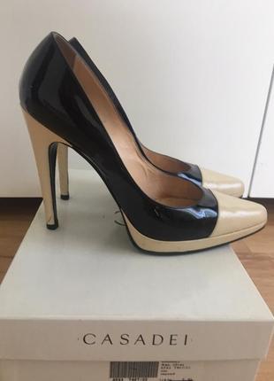 Туфли лаковые casadei