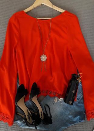 Шикарная блуза в красном цвете с  широкими рукавами /кружево/размер s