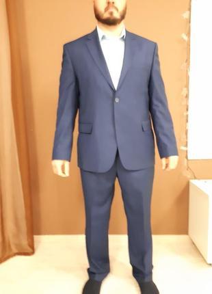Шикарный мужской костюм daniel perry