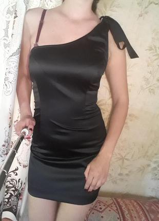 Платье открытые плечи, мини