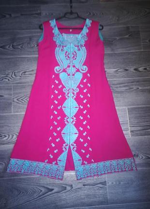 Платье с вышивкой, а-силуэт