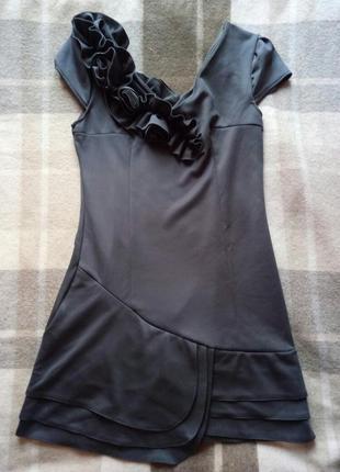 Новое серое короткое платье