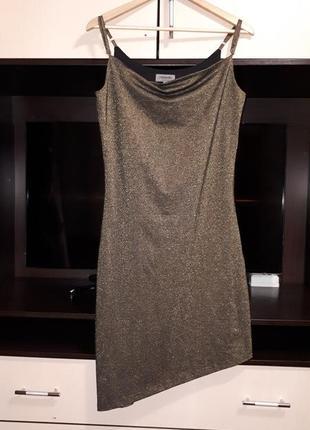 Нарядное блестящее ассиметричное платье хаки раз.l
