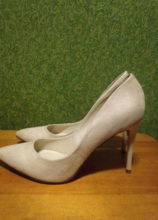 Туфли классические нежного кремового цвета
