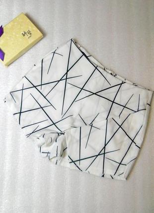 Стильные короткие белые шорты юбка с принтом от yoins размер м