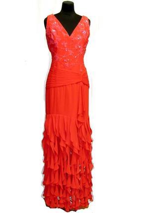 Красное платье макси с вышивкой,драпировкой и воланами,вечернее
