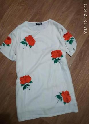 Шикарное платье с вышитыми розами