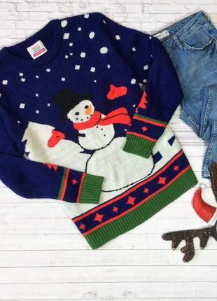 Свитер со снеговиком новогодний