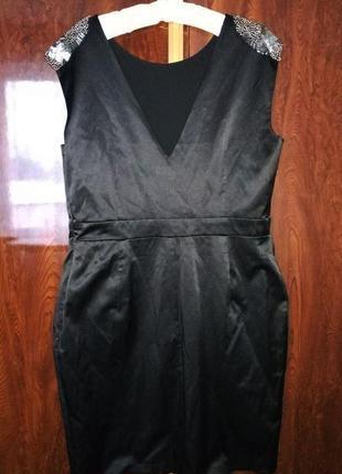 Стильное платье футляр для торжества