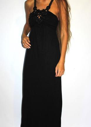 Черное платье + вышивка из бисера на груди + красивая спинка! вискоза