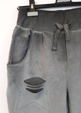 Новые стильные брюки-штаны .